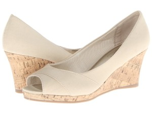 Get the look, Cobalt & Coral paired with LifeStride Radius nude wedges via genpink.com