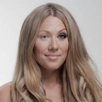 Colbie Caillat with her new single Try talking about pressures of beauty for women