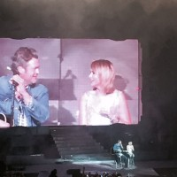 Miranda Lambert brings Blake Shelton on stage in Dallas via genpink.com