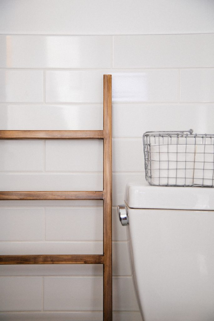 How to Spruce Up Your Bathroom On the Cheap